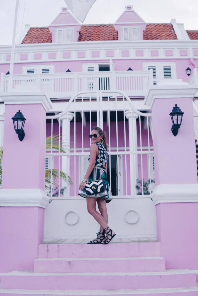 CURAÇAO, TRAVEL, TRAVEL & LIVING, SISTERLY STYLE. CARIBBEAN, NETHERLANDS, TRAVEL IN STYLE, FASHION, FASHIONABLE TWINS, LIFESTYLE BLOGGERS
