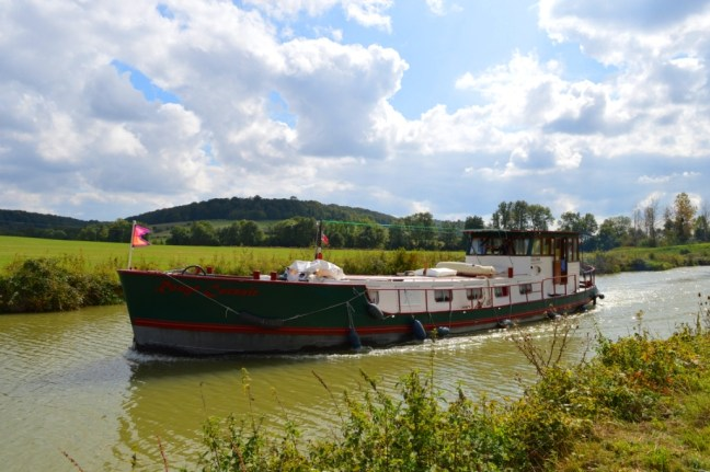 buying a barge in France
