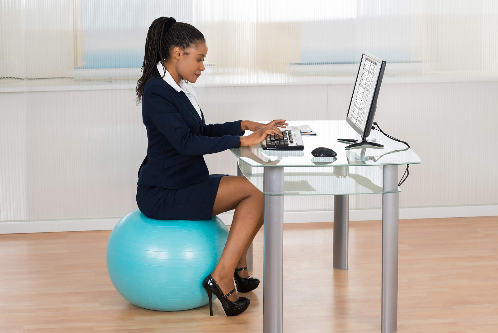 Exercise Ball Desk Chair Move It Monday Stability Ball Vs Office Chair Swap Or Not