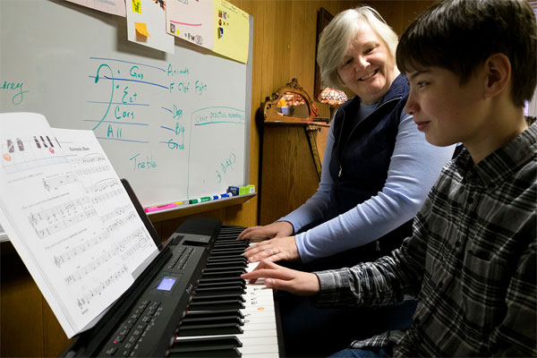 Sister-Brenda-Fritz-DC-with-music-student