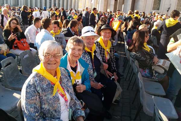 Sisters-of-Charity-of-Leavenworth-waiting-to-see-Pope-Francis-at-International-Symposium-Oct-2017