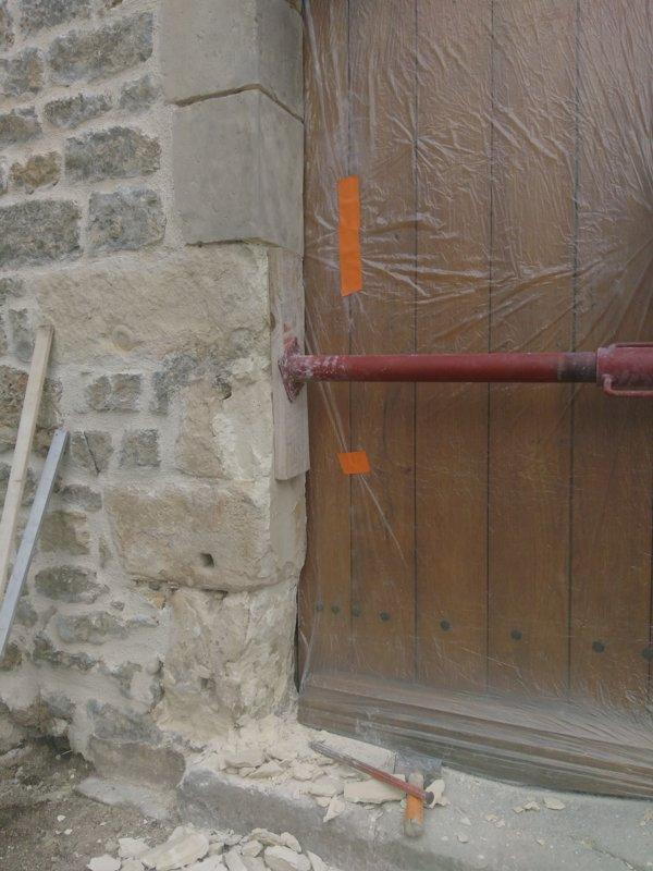 Entourages de portes et fenêtres en pierre