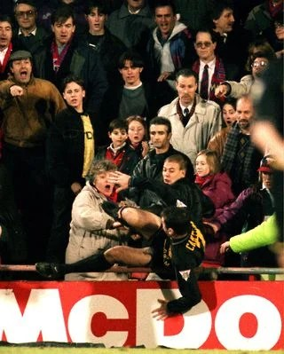 Cantona remained captain until the selhurst park incident in january 1995. Eric Cantona S Kung Fu Kick Vs Crystal Palace Man United Icon Reveals His One Regret Givemesport