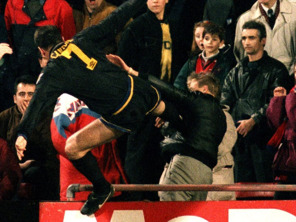 """The fa chief executive graham kelly described his attack as """"a stain on our game"""" that brought shame on football. Eric Cantona S Kung Fu Kick Vs Crystal Palace Man United Icon Reveals His One Regret Givemesport"""