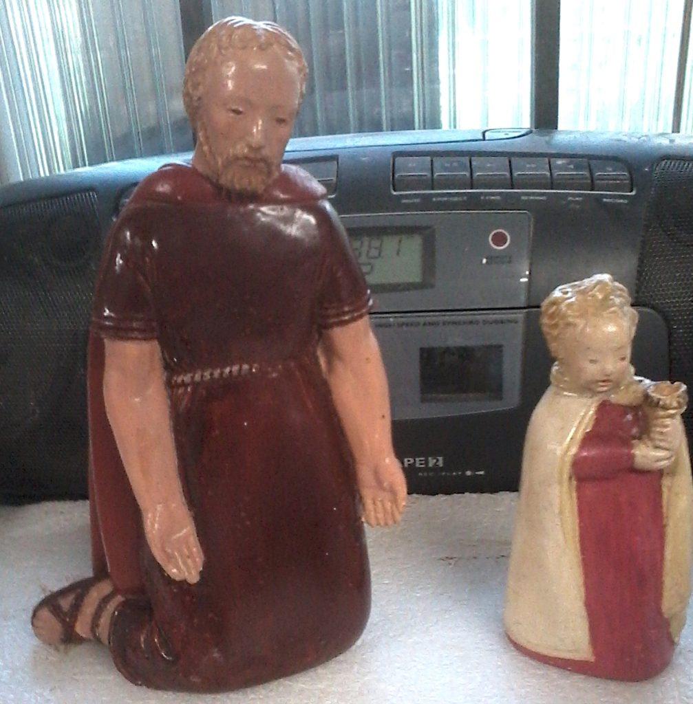 Saint Joseph et petit enfant, santons en plâtre des années 1960