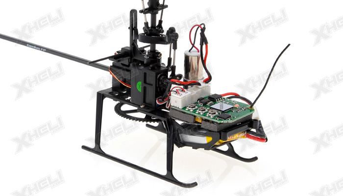 Walkera Genius FP Flybarless RC Helicopter w/ 4 Channel 2