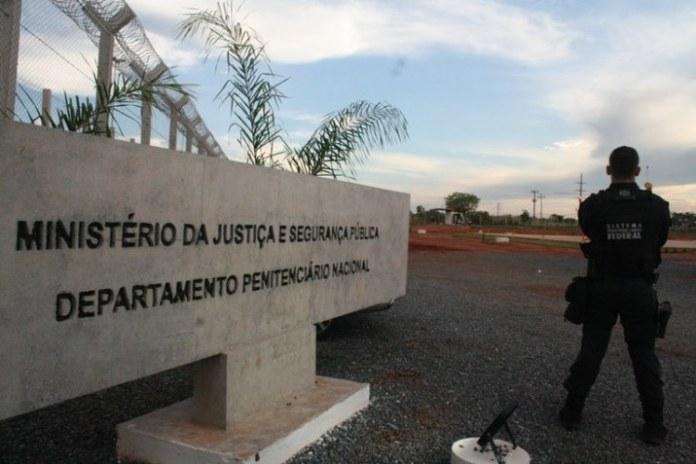 Ministério da Justiça suspende visitas, atividades e escoltas em penitenciárias federais