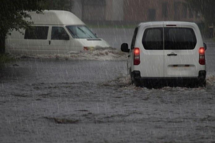 Chuvas afetaram as cidades de Santos e São Vicente, no Estado de SP