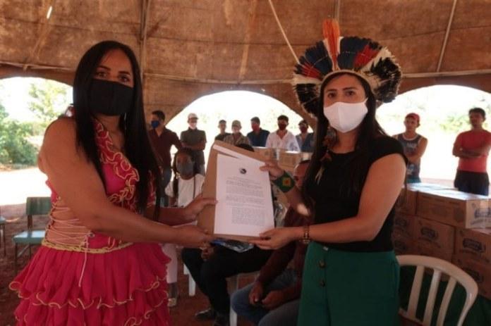 Governo entrega alimentos para comunidade cigana no Distrito Federal
