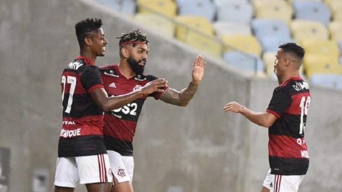 Flamengo atropela o Bangu no reinício do Carioca e está na semifinal da Taça Rio
