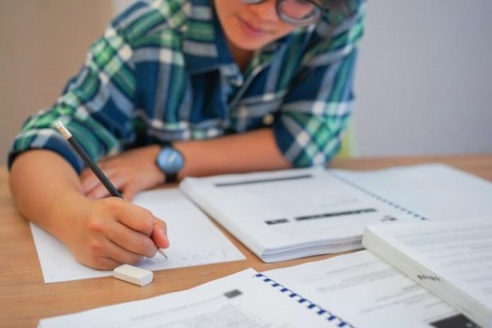 Programa de Desenvolvimento da Capes oferta 1.800 bolsas de pós-graduação