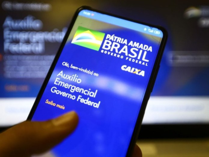 Auxílio Emergencial é creditado para 3,9 milhões de brasileiros nascidos em março