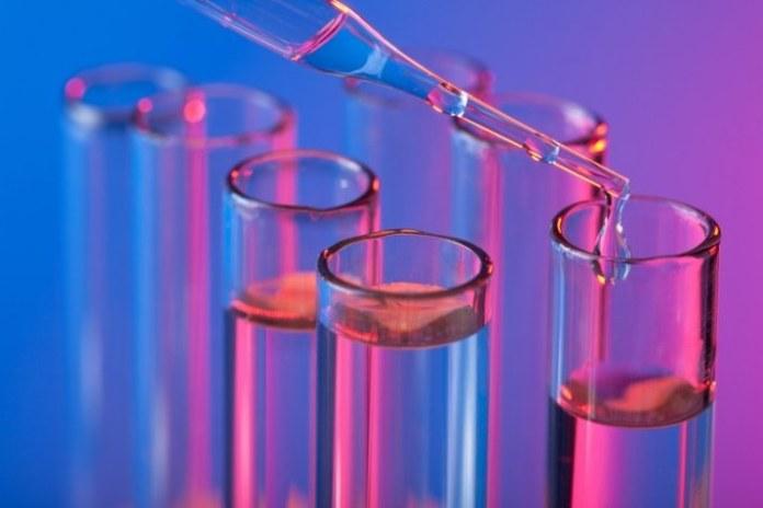 Hospital da UFBA padroniza uso de saliva como teste para detectar novo coronavírus
