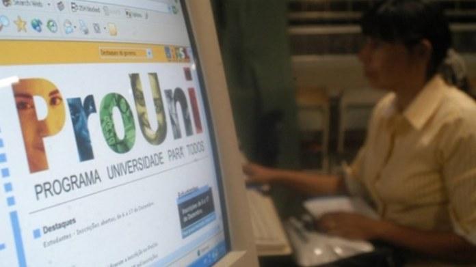 Prouni abre inscrições com oferta de 167 mil bolsas para o 2º semestre