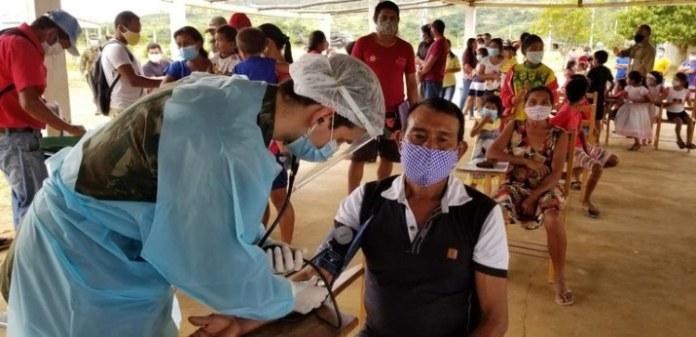 Terras indígenas de Roraima recebem insumos e atendimento médico