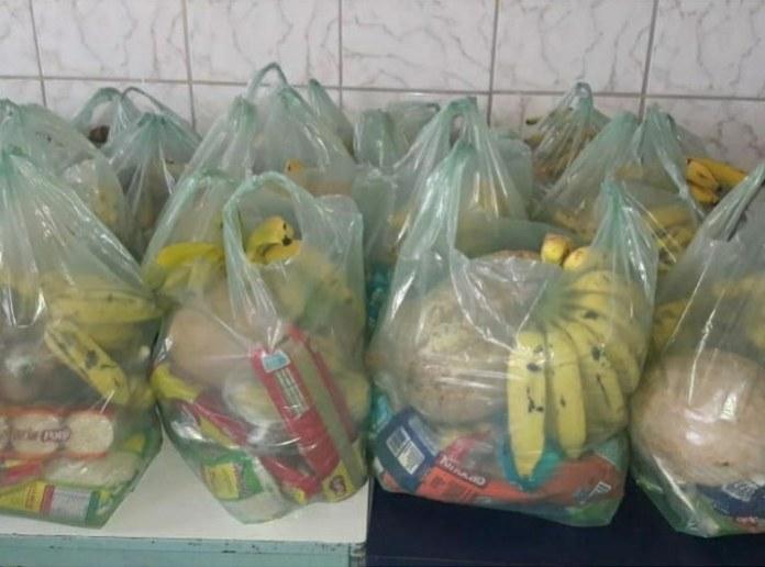 Mais de 12 mil estudantes do Piauí recebem kits da alimentação escolar