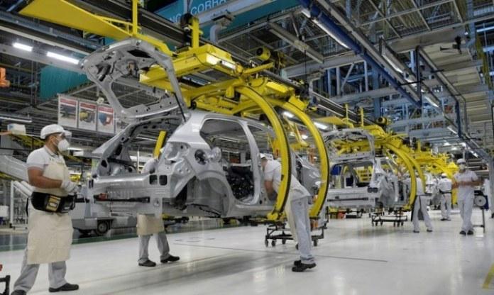 Produção industrial cresce 8% em julho