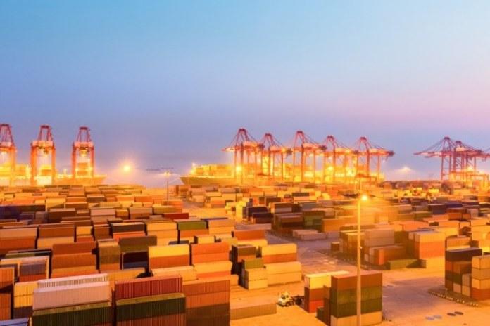 Balança comercial tem superávit de US$ 5,47 bilhões no mês de outubro