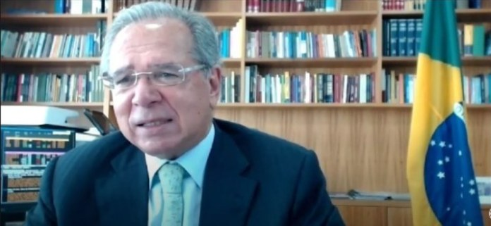 Brasil está saindo da recessão, afirma ministro da Economia