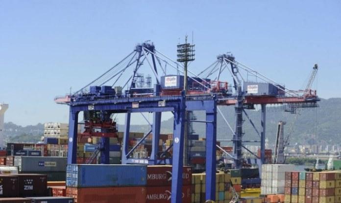Balança comercial tem novo superávit em novembro