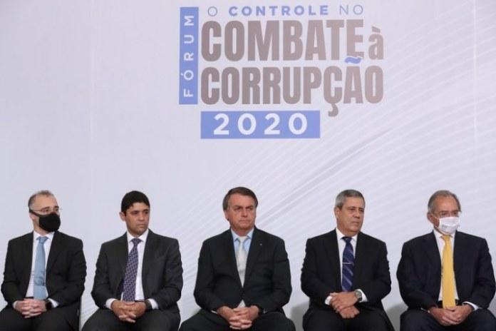 Governo lança Plano Anticorrupção