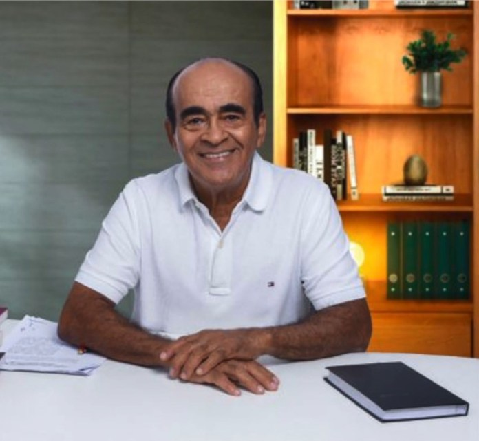 Dr. Coutinho (Cidadania) tem 73 anos e é prefeito de Aracruz. Ele está internado com Covid-19