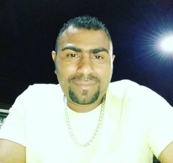 Zezito Pereira da Silva Filho é suspeito de matar a esposa a facadas