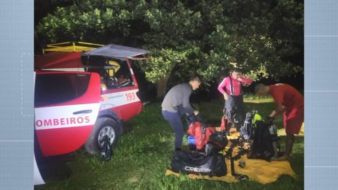 Equipe do Corpo de Bombeiros fez buscas pelo corpo do adolescente no Rio Cricaré até a noite desta quarta-feira (3)