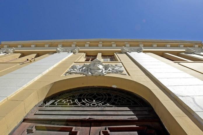 Construída em 1926, a Fafi oferece aulas de teatro, dança e música desde 1992 — Foto: Divulgação