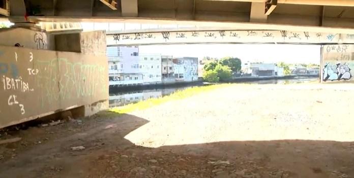 Ponte da Passagem, em Vitória, onde jovem de 23 anos foi morto