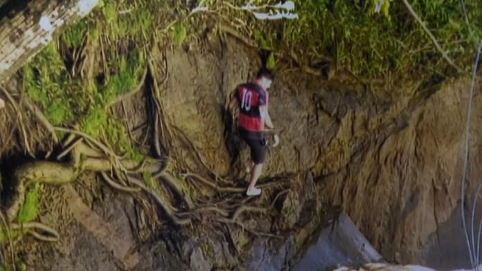 Felipe foi registrado andando às margens da cachoeira pouco antes de entrar na água e desaparecer