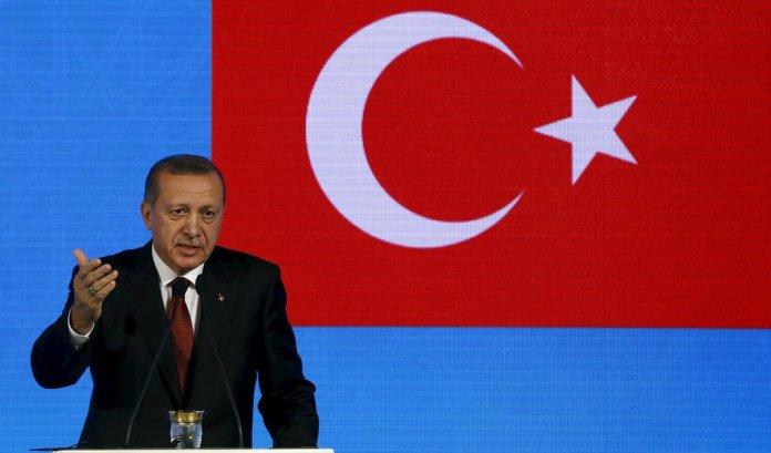 Erdogan propõe abandonar o dólar no comércio internacional
