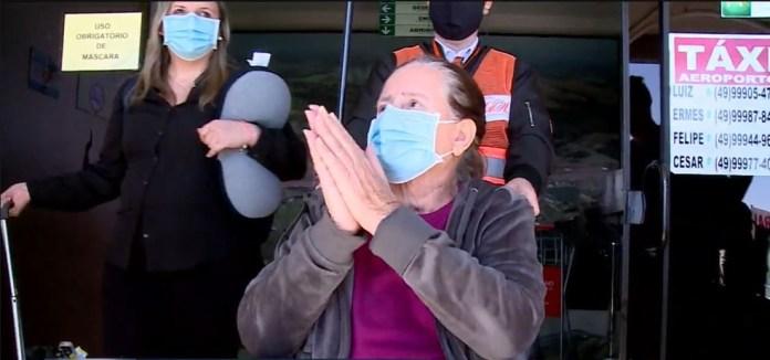 Ivanir no aeroporto de Chapecó — Foto: Reprodução/NSC TV