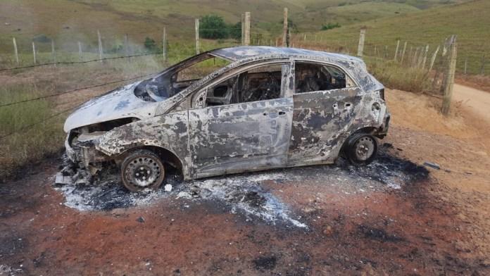 Carro encontrados no Sul do ES pode ter sido usado em assassinato de vereador — Foto: Reprodução