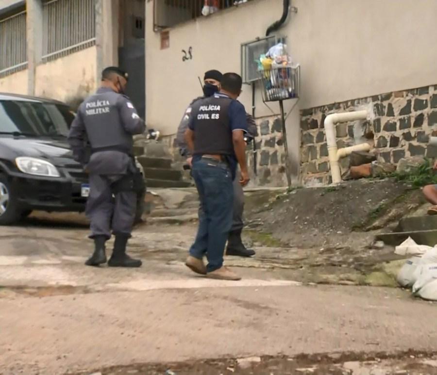 Suspeito morreu na frente da casa do irmão em Cariacica