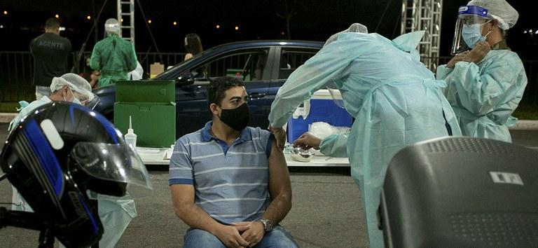 Governo distribui mais 2,3 milhões de doses da vacina da Pfizer