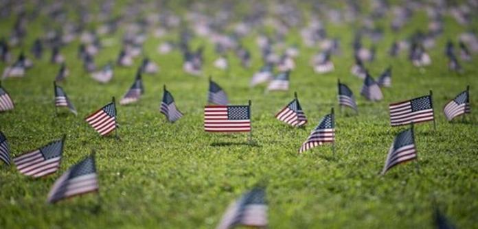 Nos EUA morreram quase 600 mil pessoas por Covid