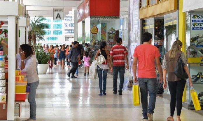 Brasil teve 280.666 novos postos de trabalho com carteira assinada em maio