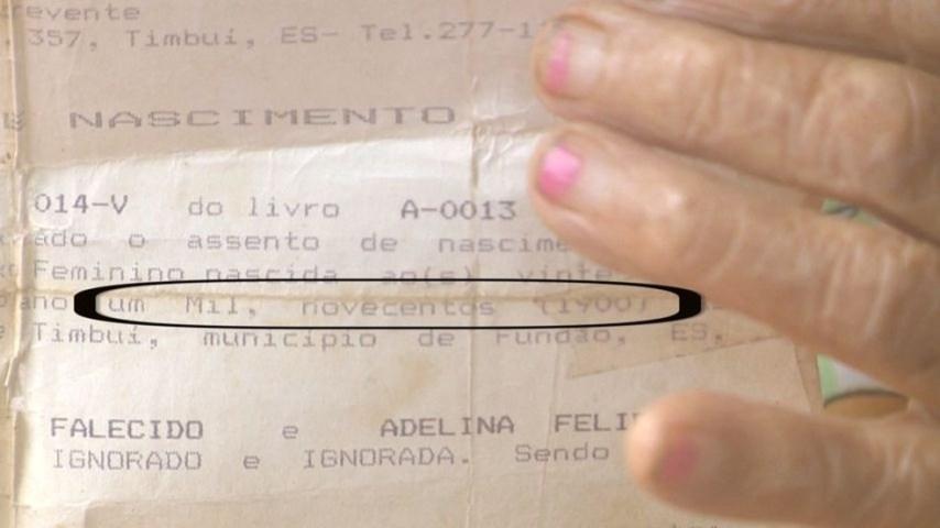 Certidão de nascimento de dona Lúcia mostra o ano que ela nasceu: 1900 — Foto: Reprodução/ TV Gazeta