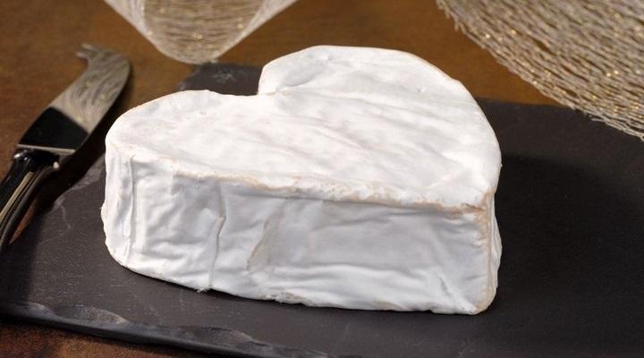 Lágy sajt fehér formával