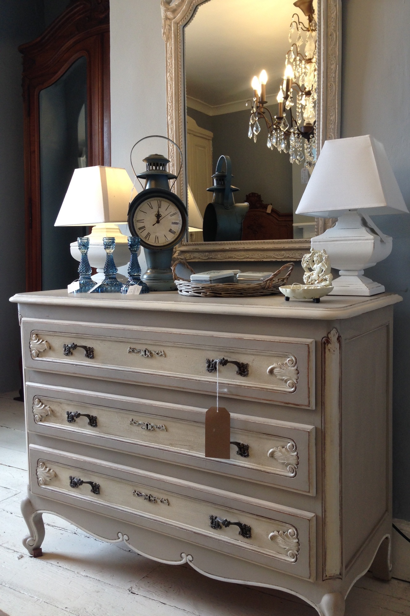 Vintage Painted French Louis XV Chest Of Drawers CodeNNGG