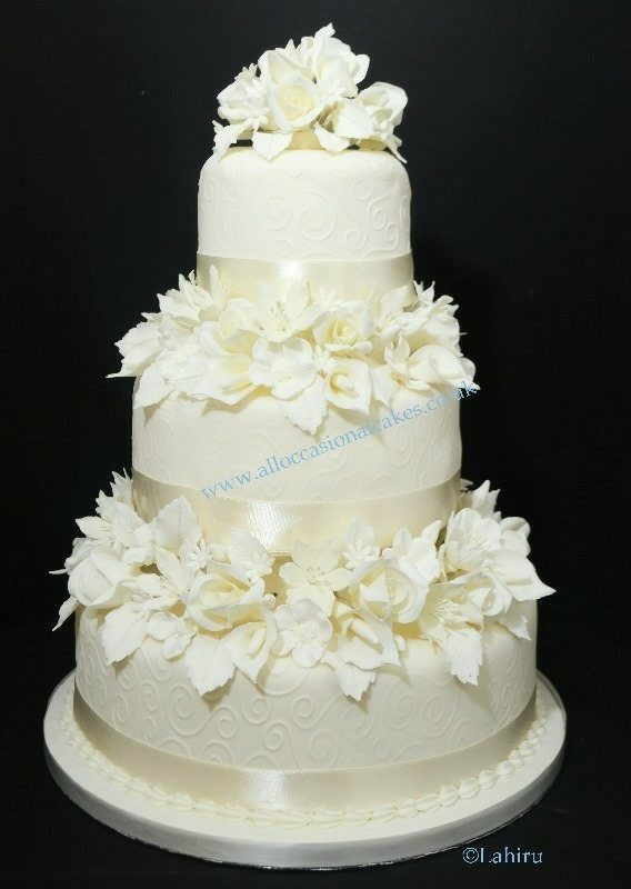Traditional Ivory Flower Wedding Cake Bristol Cakes Pictures Magic