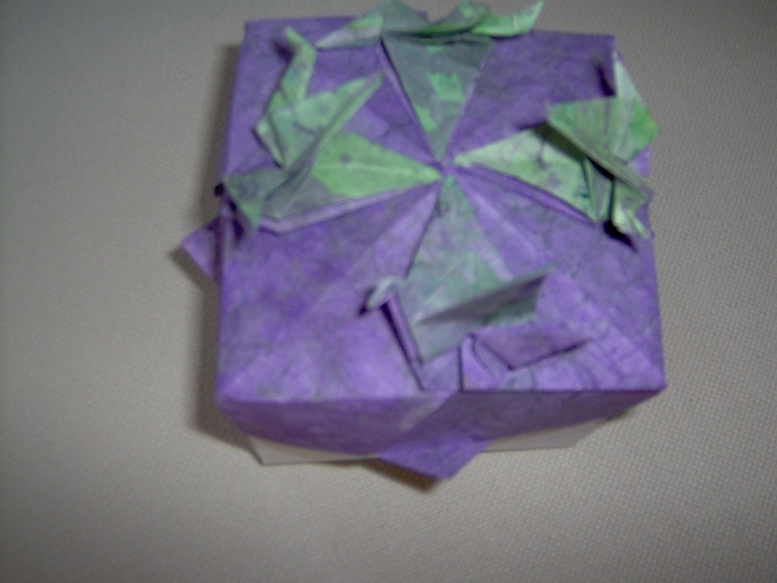 design box with doves design by tomoko fuse paper broken paper dyed with acrylic paint [ 1600 x 1200 Pixel ]