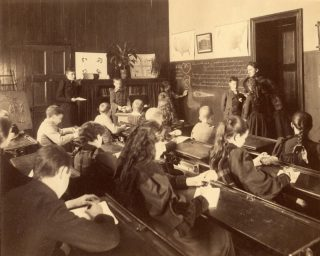 reading-class-pearly-nautilus-sixth-grade-horace-mann--c1900-web