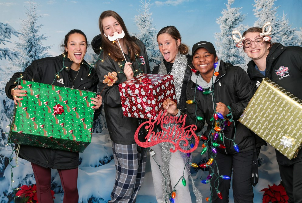 Student-athletes got silly with some holiday props at the Late Night Breakfast.