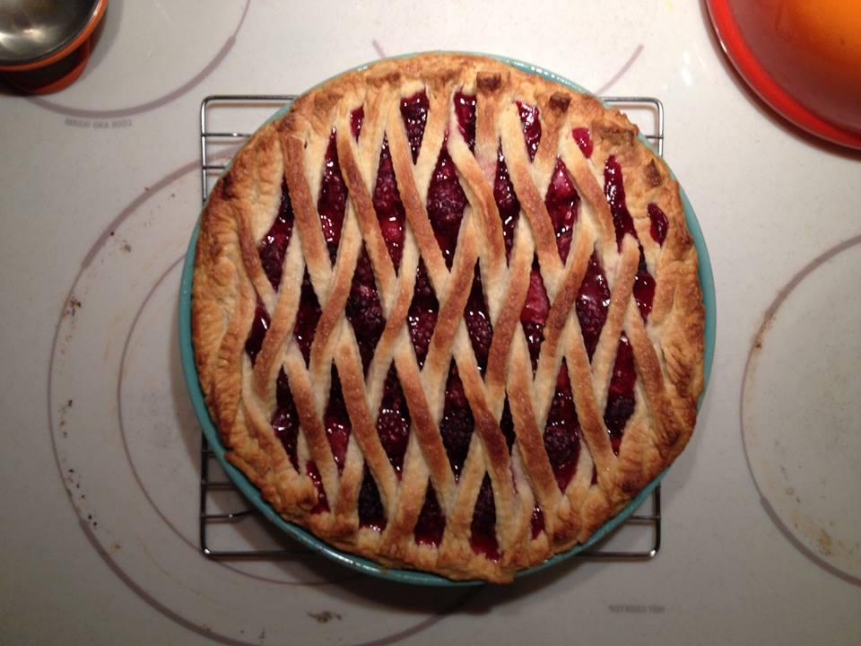 20131108-blackberry-raspberry-lattice-pie