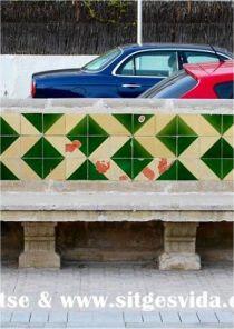 54 bancos del paseo de Sitges