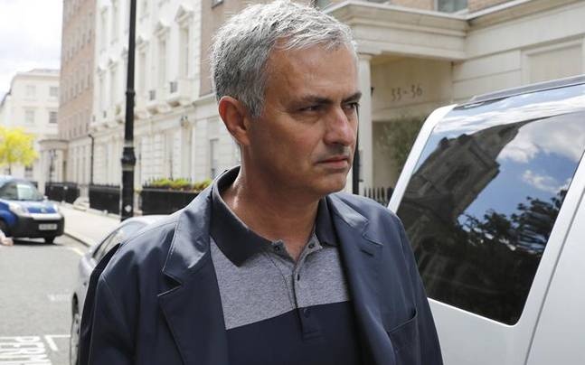 Real Madrid Harus Siapkan Dana Ke MU Untuk Mourinho!