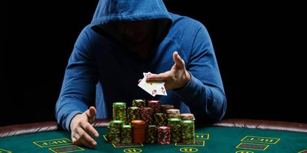 Tips & Trik Dalam Bermain Poker Online