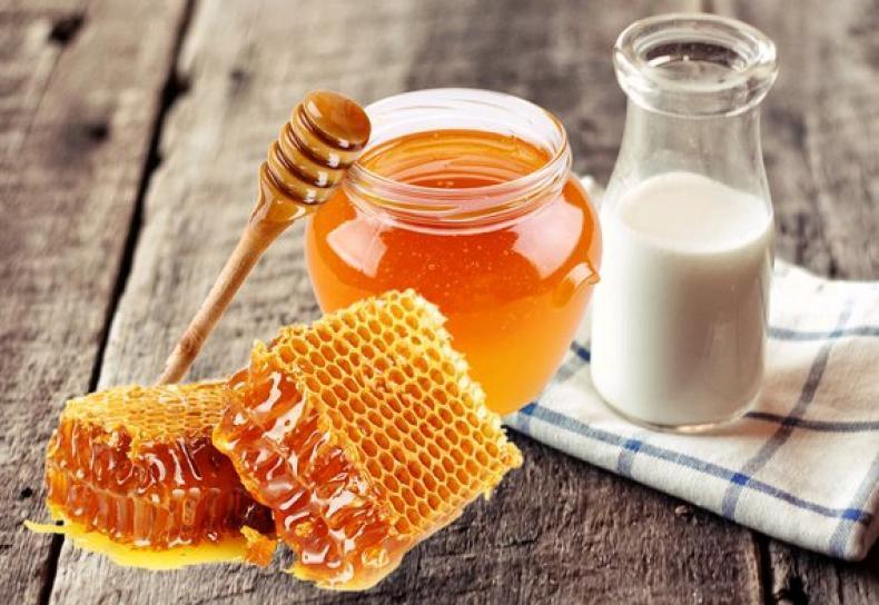 susu dan juga madu baik bagi kesehatan tubuh